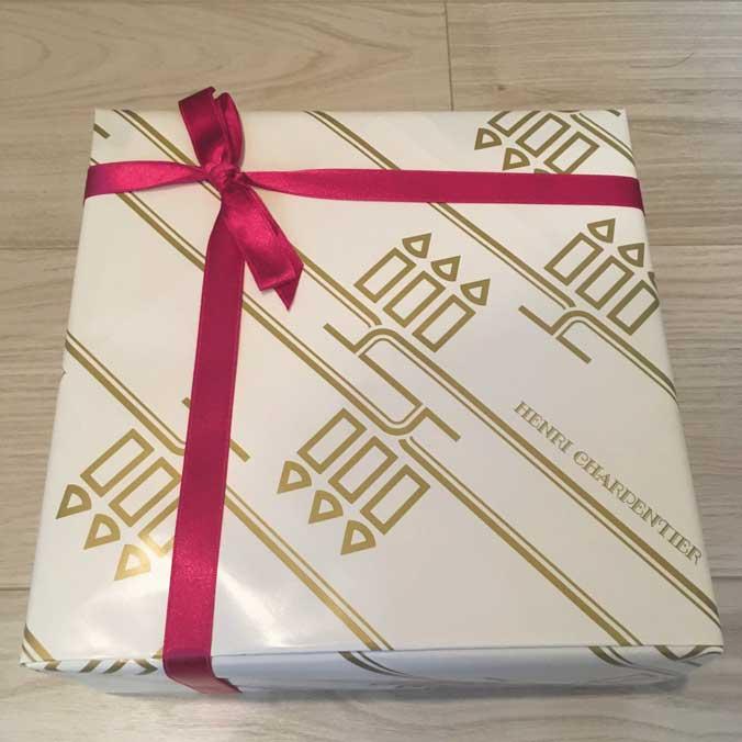 アンリ・シャルパンティエの包装